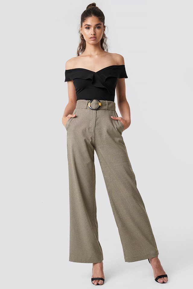 Off shoulder frill top party outfit