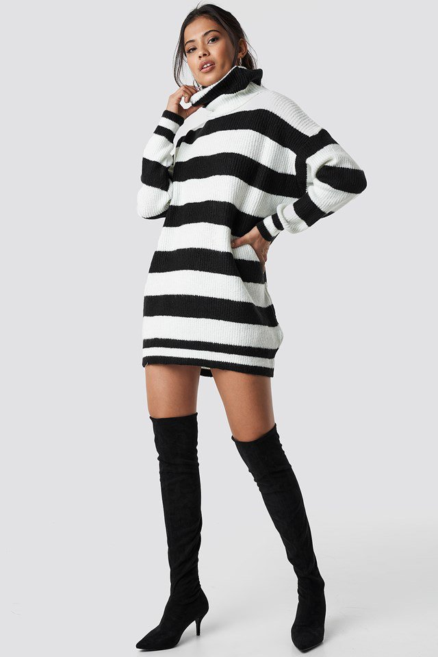 Warm, striped turtleneck outfit