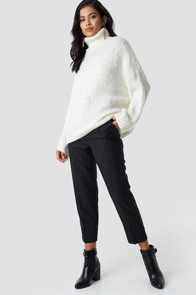White high neck knitted sweater outfit