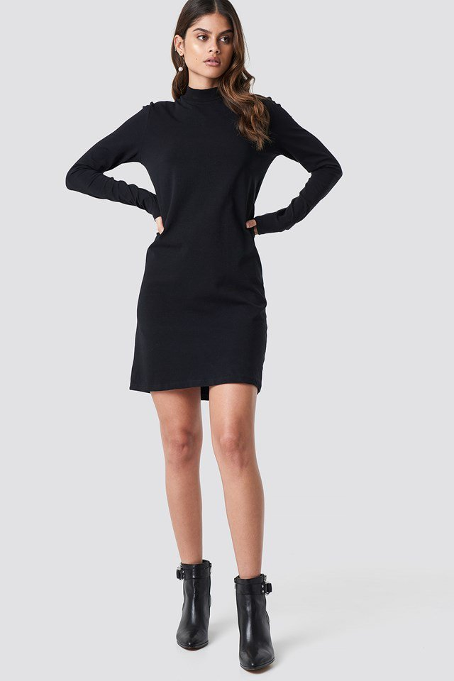 Black high neck jersey outfit