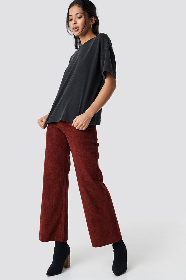 Oversized Tee X Corduroy Pant Outfit