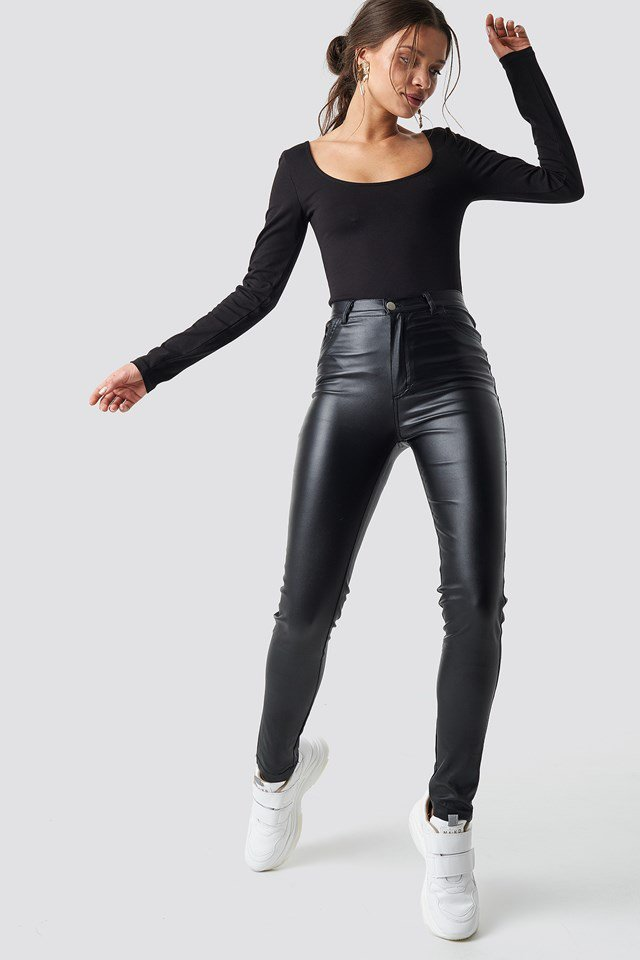 Basic Deep Back Top Black Outfit