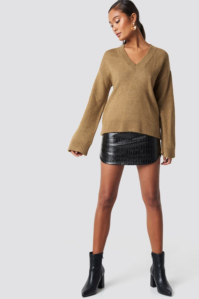 Brown Knitted Sweater Outfit