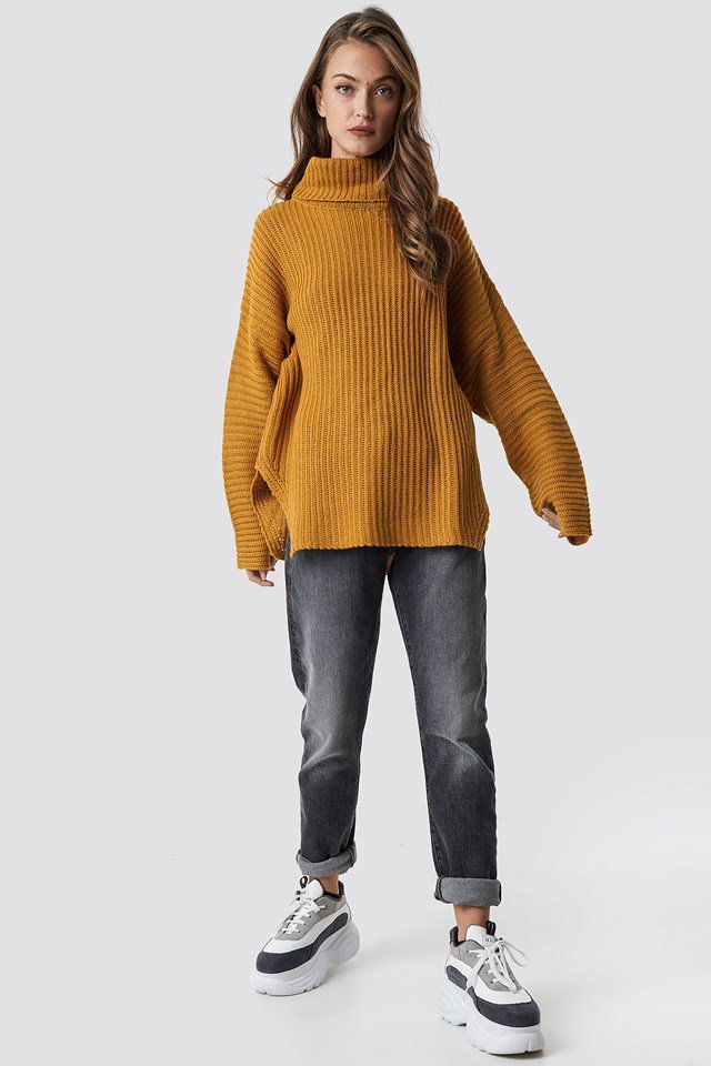 Colored Oversized Sweater Outfit