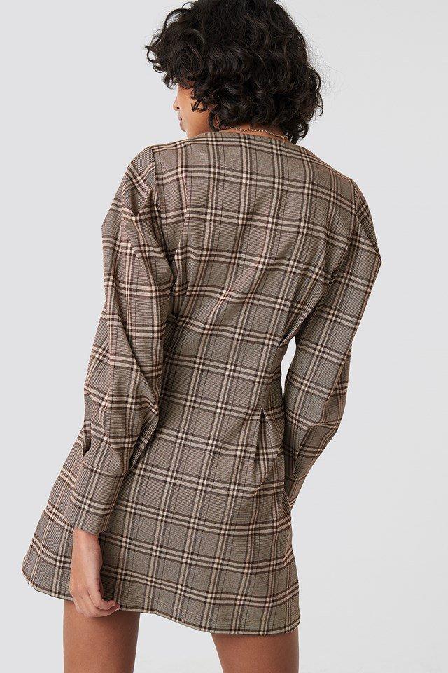 Balloon sleeve checkered blazer dress outfit