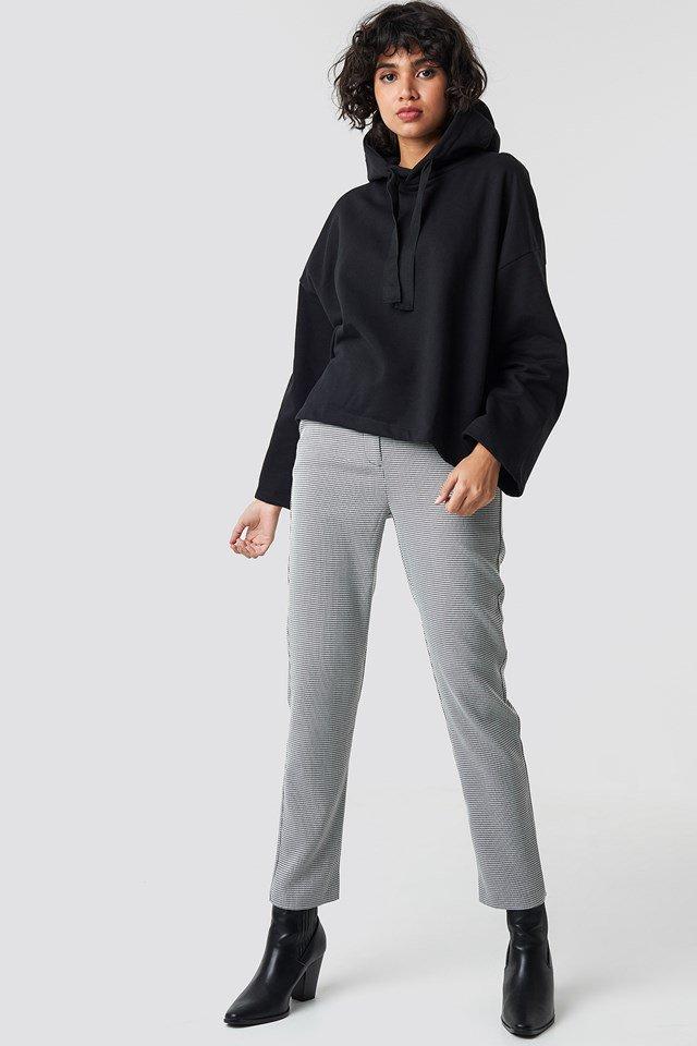 Sweatshirt outfit.