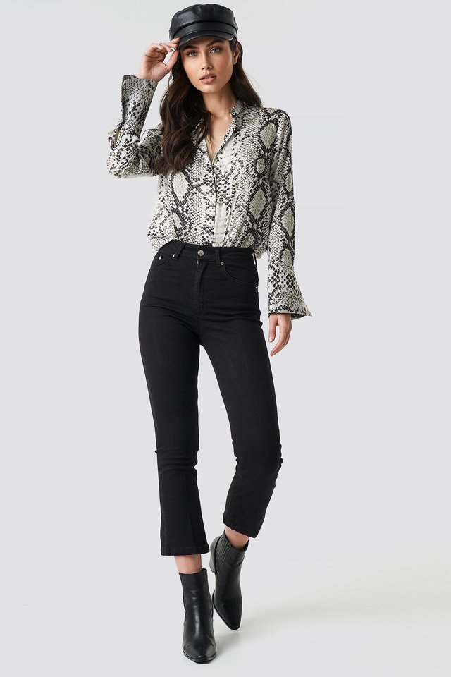 Cropped Flared Jeans Outfit