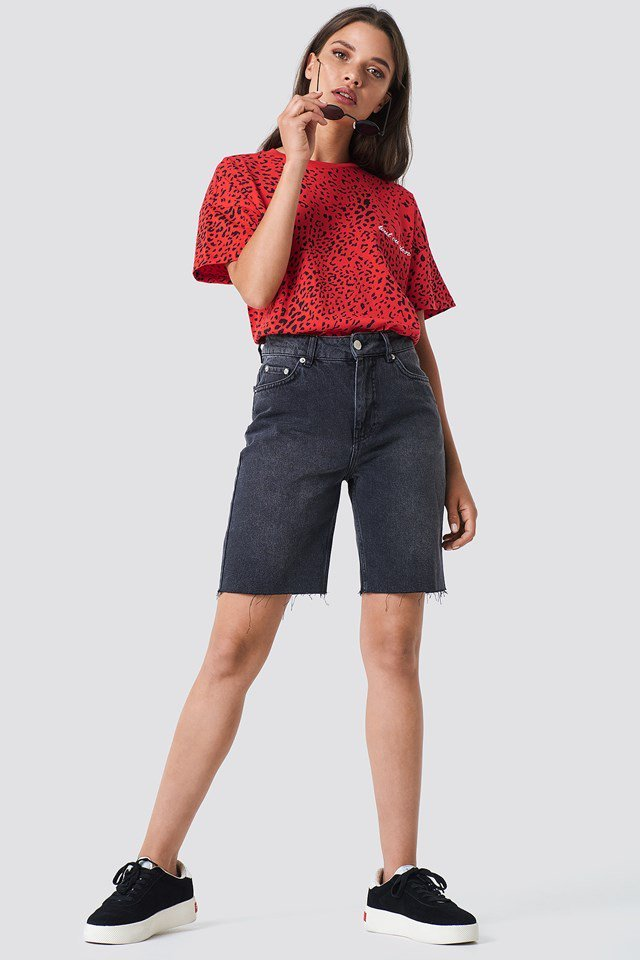 Bermuda Shorts with a Basic T-shirt
