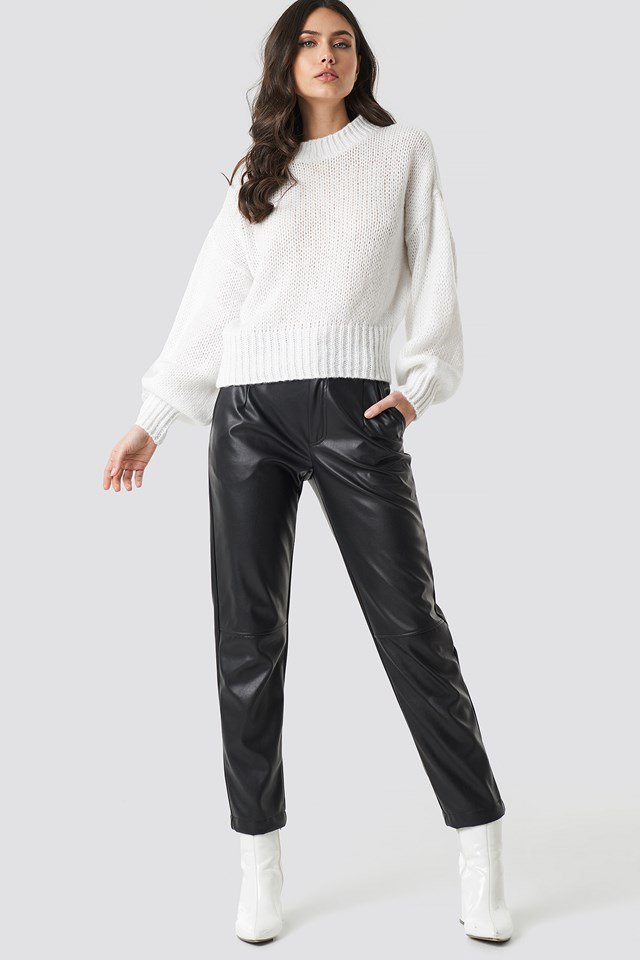 Wide Rib Short Knitted Sweater White Outfit