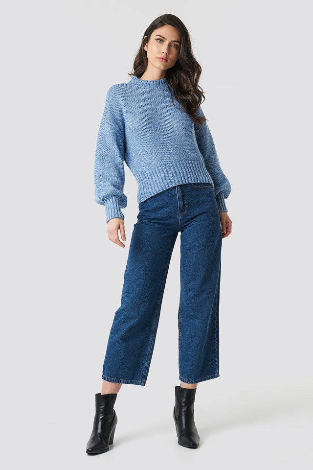 Wide Rib Short Knitted Sweater Blue Outfit