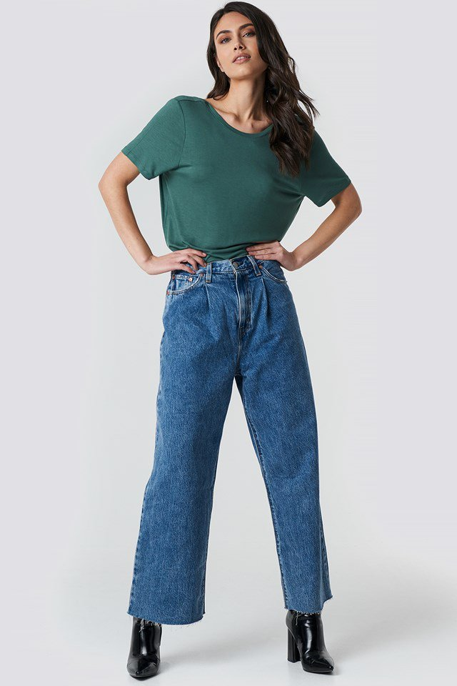 Viscose Deep Back Tee Green Outfit