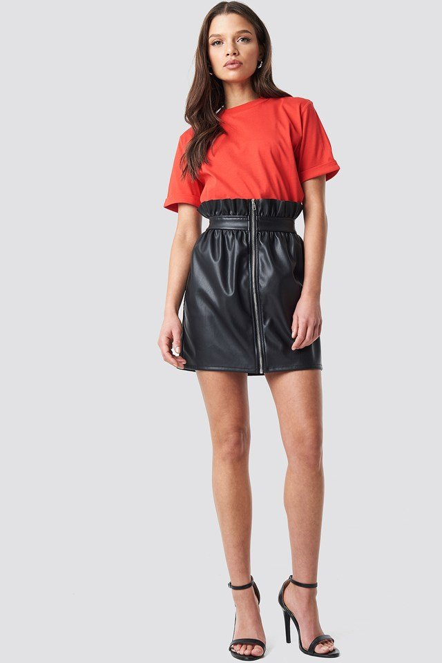 Basic Roundneck T-shirt Red Outfit