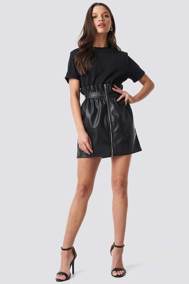 Leather Mini Skirt Outfit