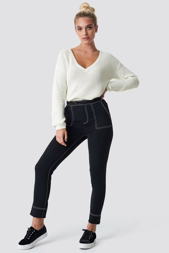 Deep Front V-neck Knitted Sweater Outfit