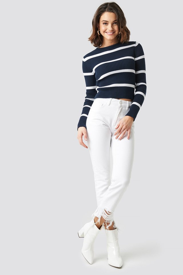 Round Neck Striped Knitted Sweater Outfit