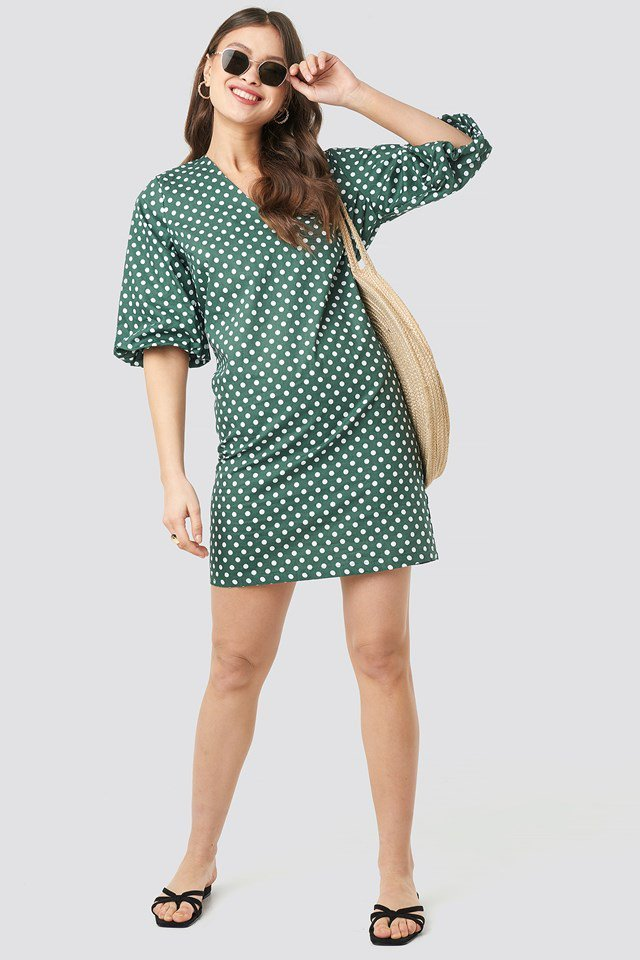 V-Neck Short Puff Sleeves Dress Green Outfit