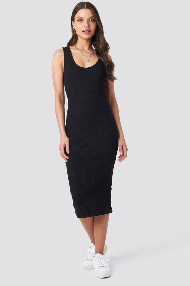 Ribbed Midi Dress Outfit.