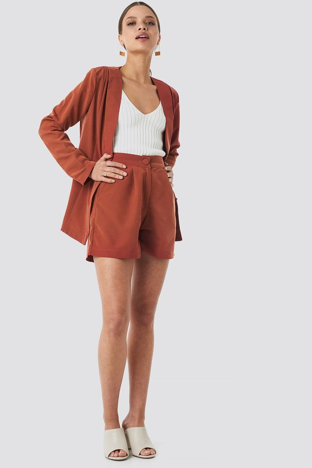 Yol Button Shorts Outfit.