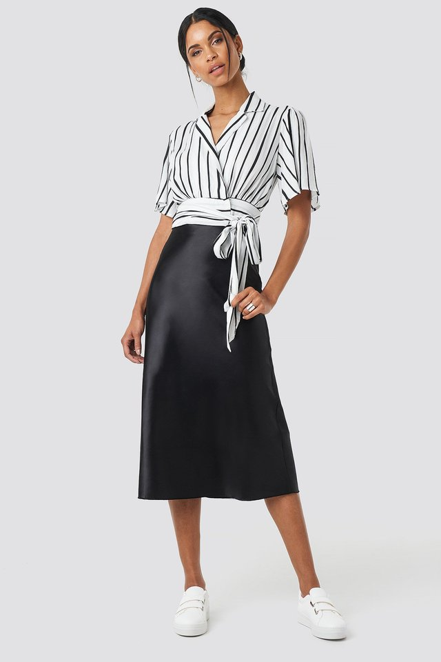 Yol Satin Skirt Black Outfit