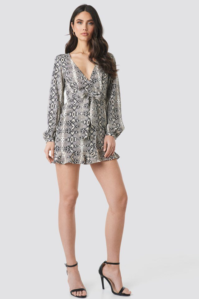 Overlap Mini Dress Grey Outfit