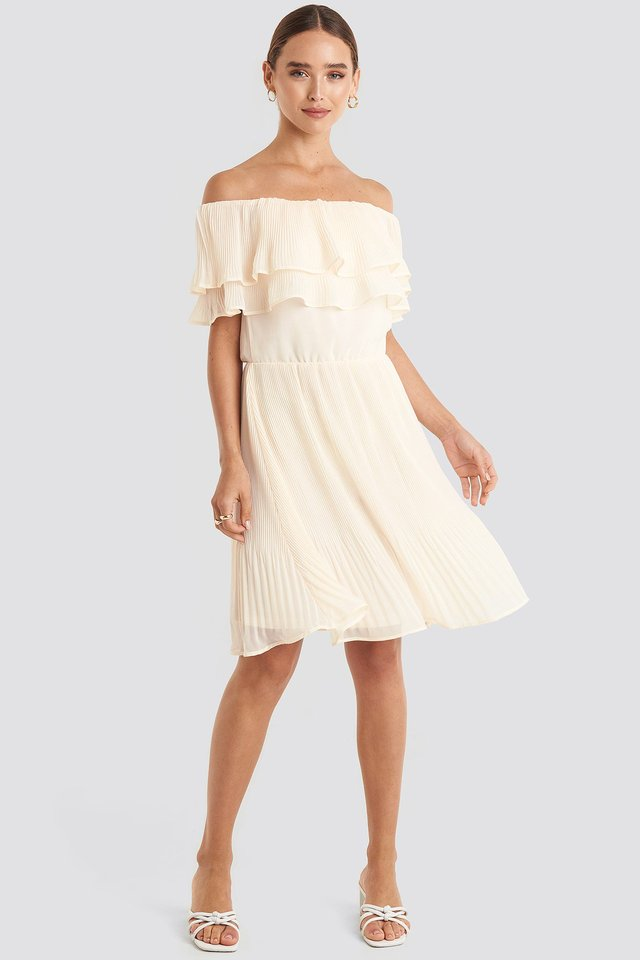 Double Tier Off Shoulder Dress Beige Outfit.
