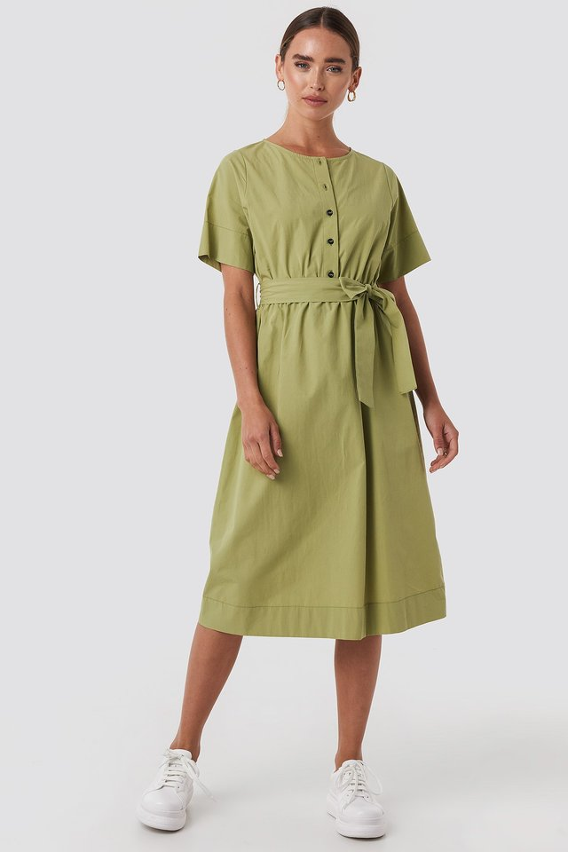 Round Neck Button Up Midi Dress Green Outfit