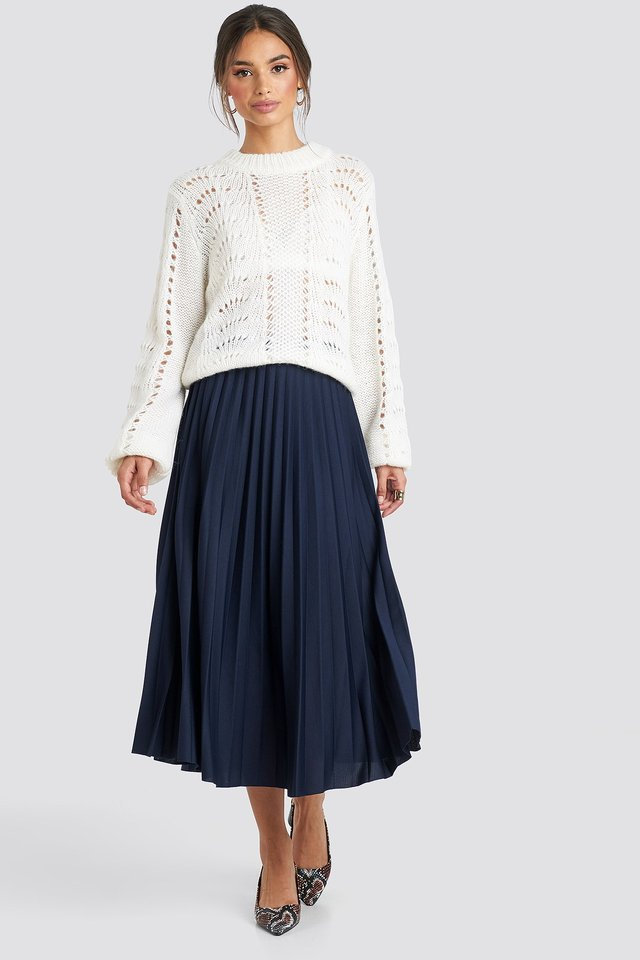Midi Pleated Skirt Blue Outfit.