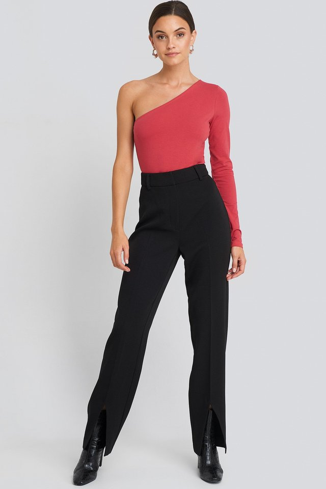 One Shoulder Body Red outfit.