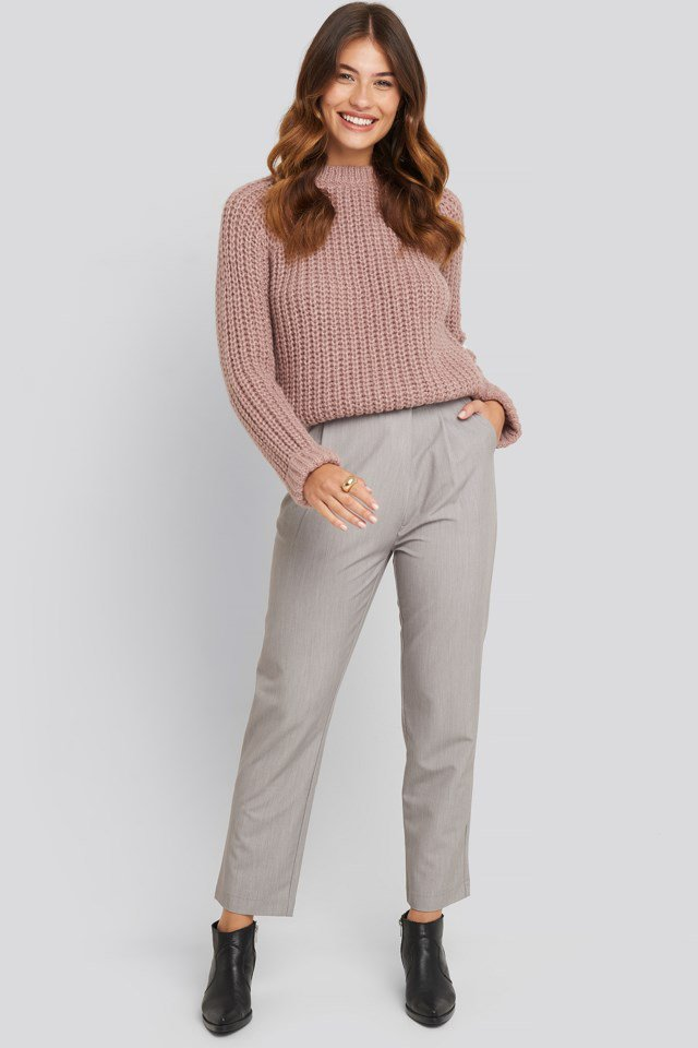 Round Neck Chunky Sweater Outfit