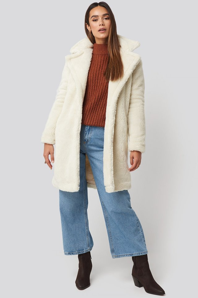 Faux Fur Long Coat White Outfit.