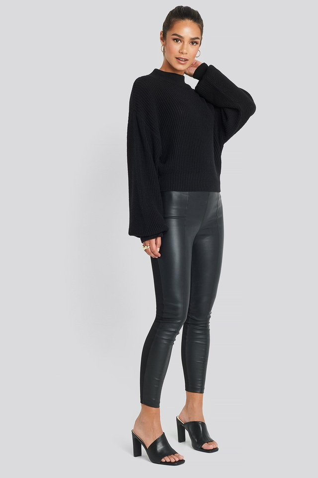Romi Leggings Black Outfit.
