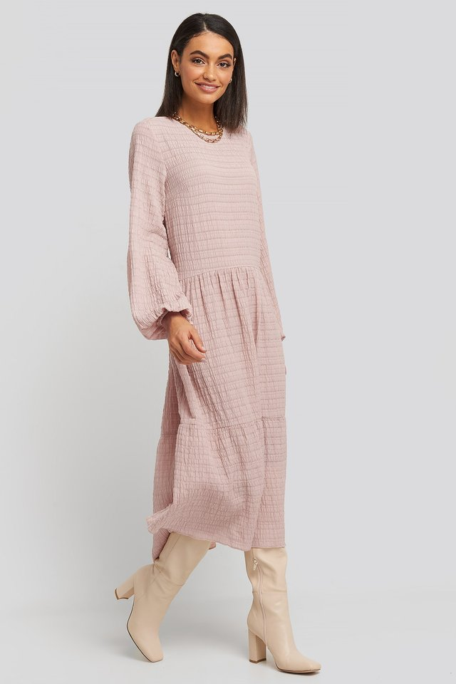 Flowy Structured Maxi Dress Pink Outfit.