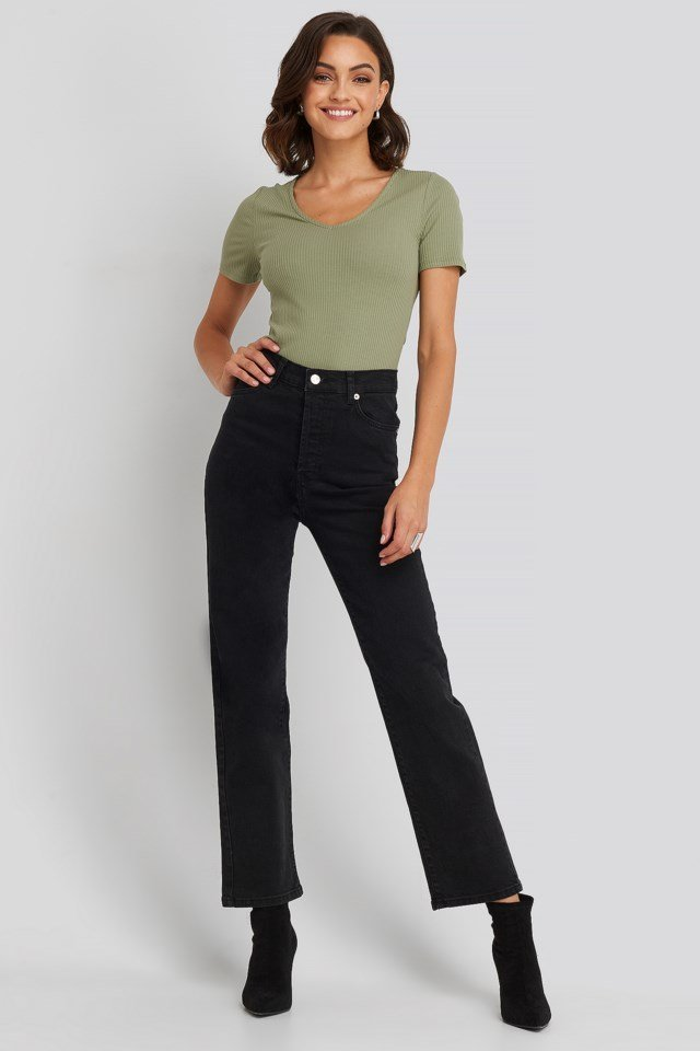 Straight High Waist Jeans Look