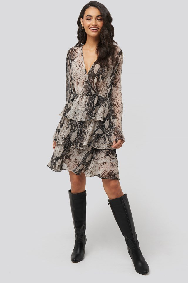 Triple Layer LS Flounce Dress Outfit.