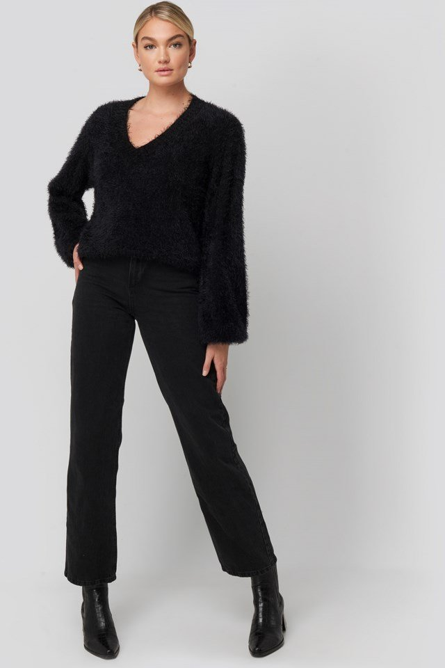 Hairy Deep V-neck Sweater Look