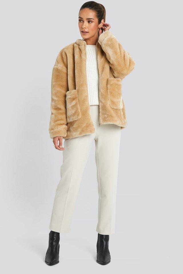 Short Front Pocket Faux Fur Jacket Outfit