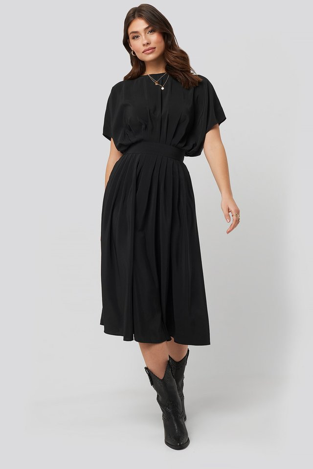 Marked Waist Dress Black Outfit