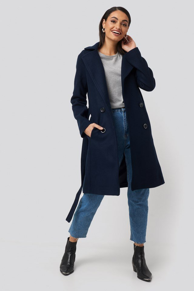 Front Buttoned Woolen Coat Outfit
