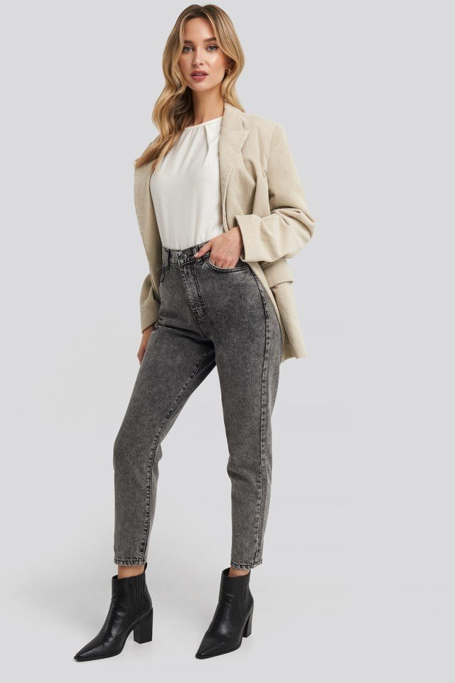 Nora Jeans Outfit.