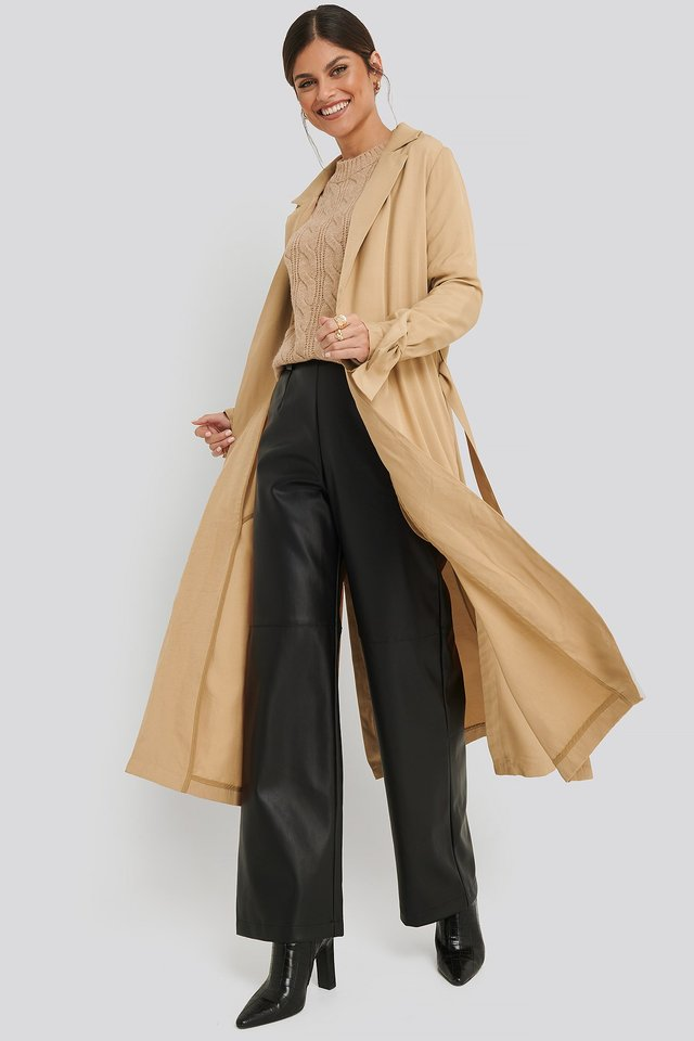 Fluid Slit Trenchcoat Beige Outfit