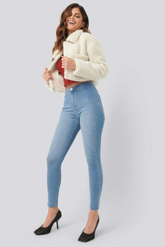 Cropped Teddy Jacket Outfit.