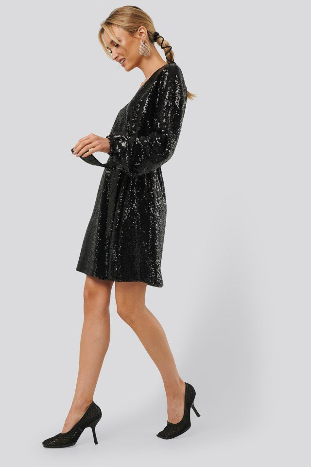 Overlap Sequin Dress Outfit
