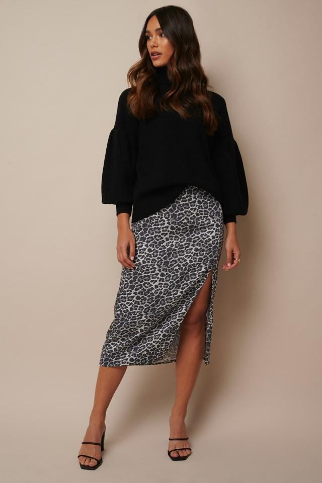 Leo Printed Midi Skirt Outfit