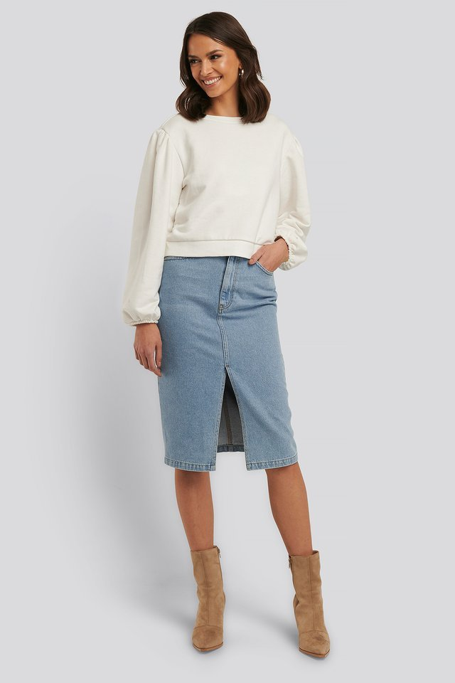 Relax Fit Ruffled Sweatshirt Outfit