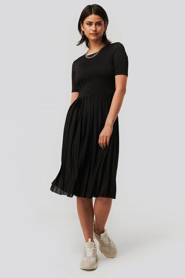 Pleated T Dress Outfit