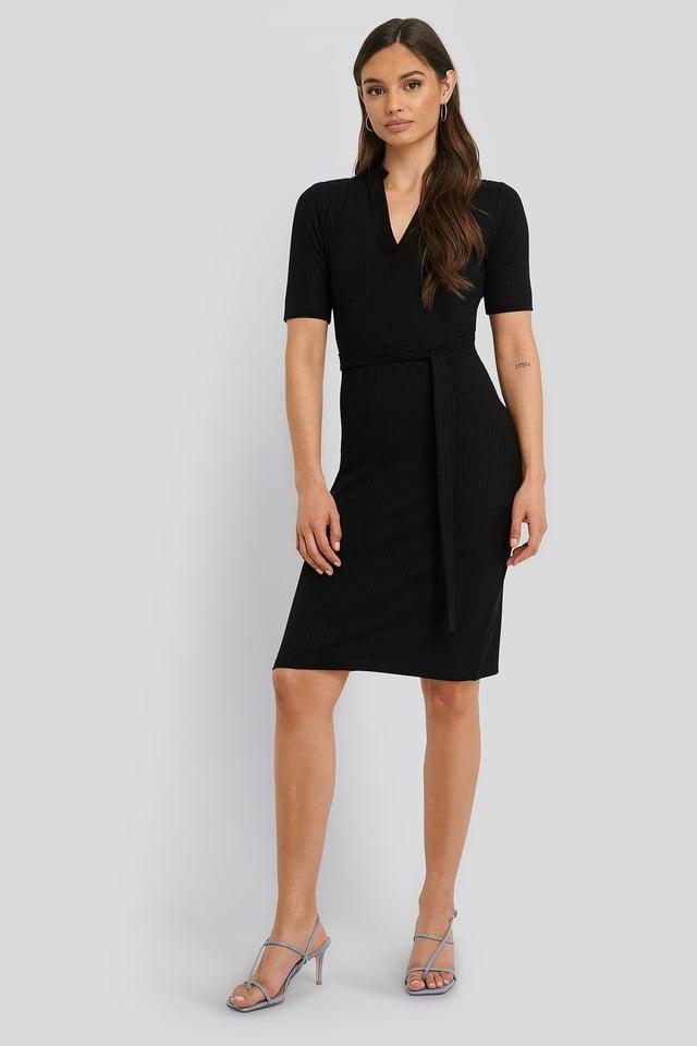 V-Neck Jersey Midi Dress Outfit