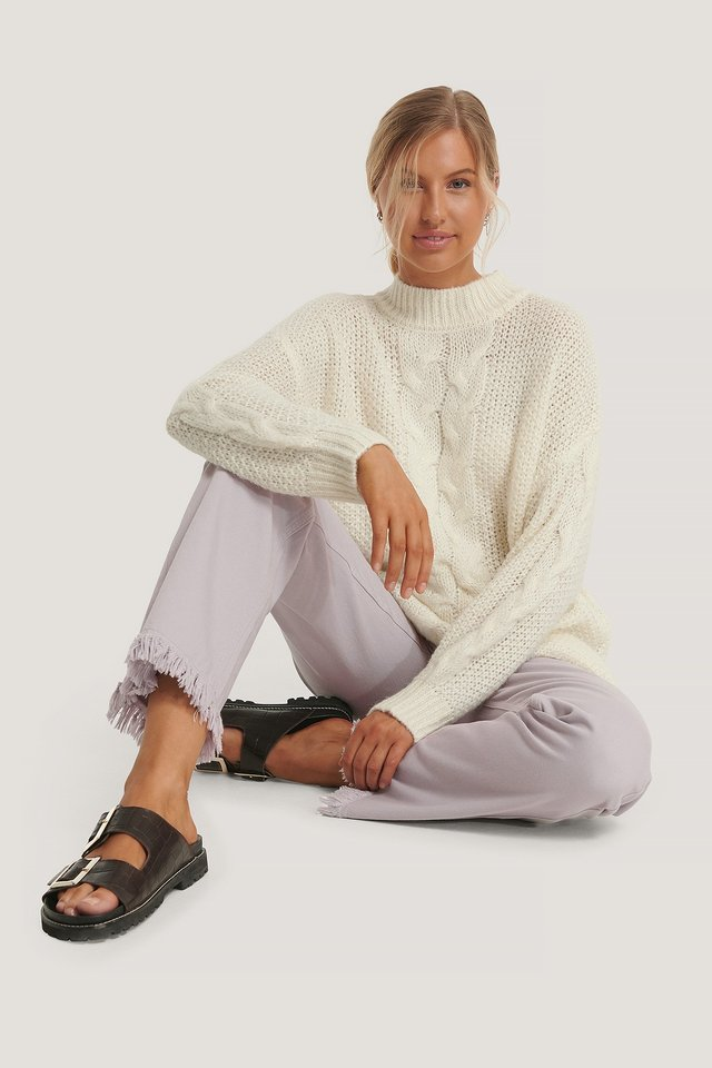 Oversized Cable Knitted Sweater Outfit.