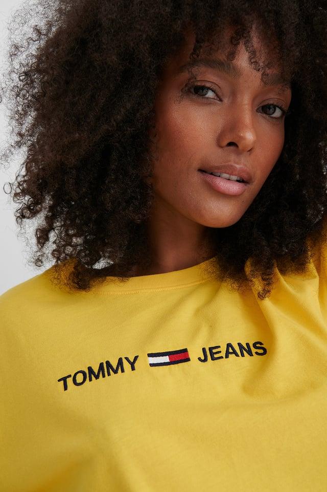 Yellow Modern Linear T-Skjorte Med Logo