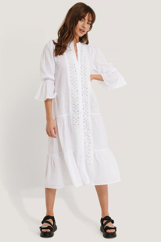 Prickig Midiklänning Med Spetsdetaljer White