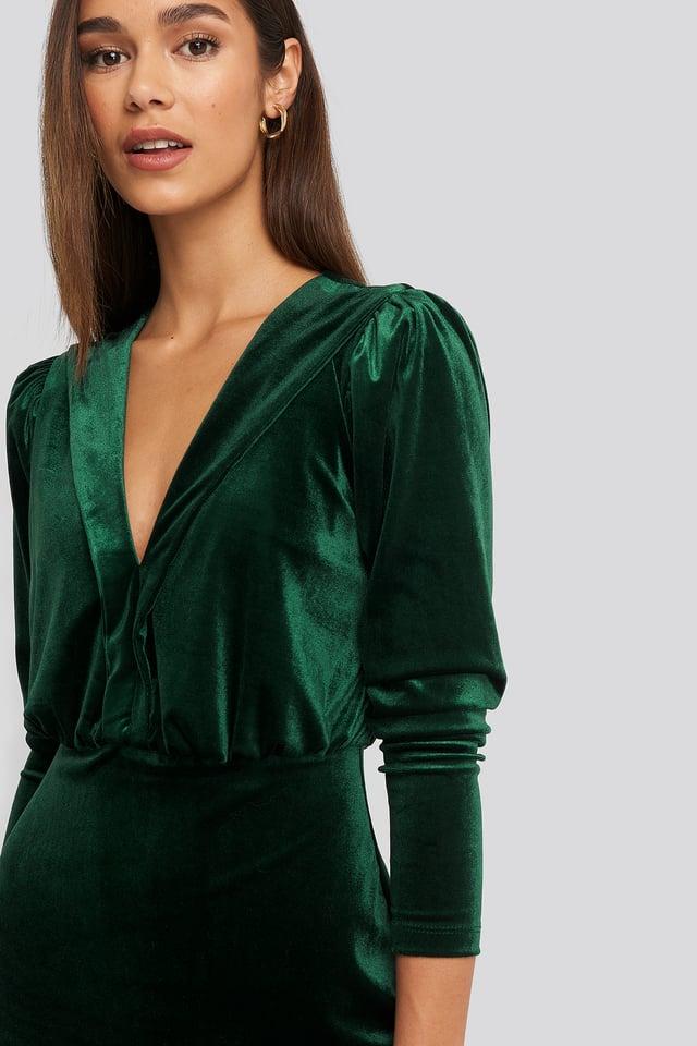 Deep Neckline Velvet Dress Green